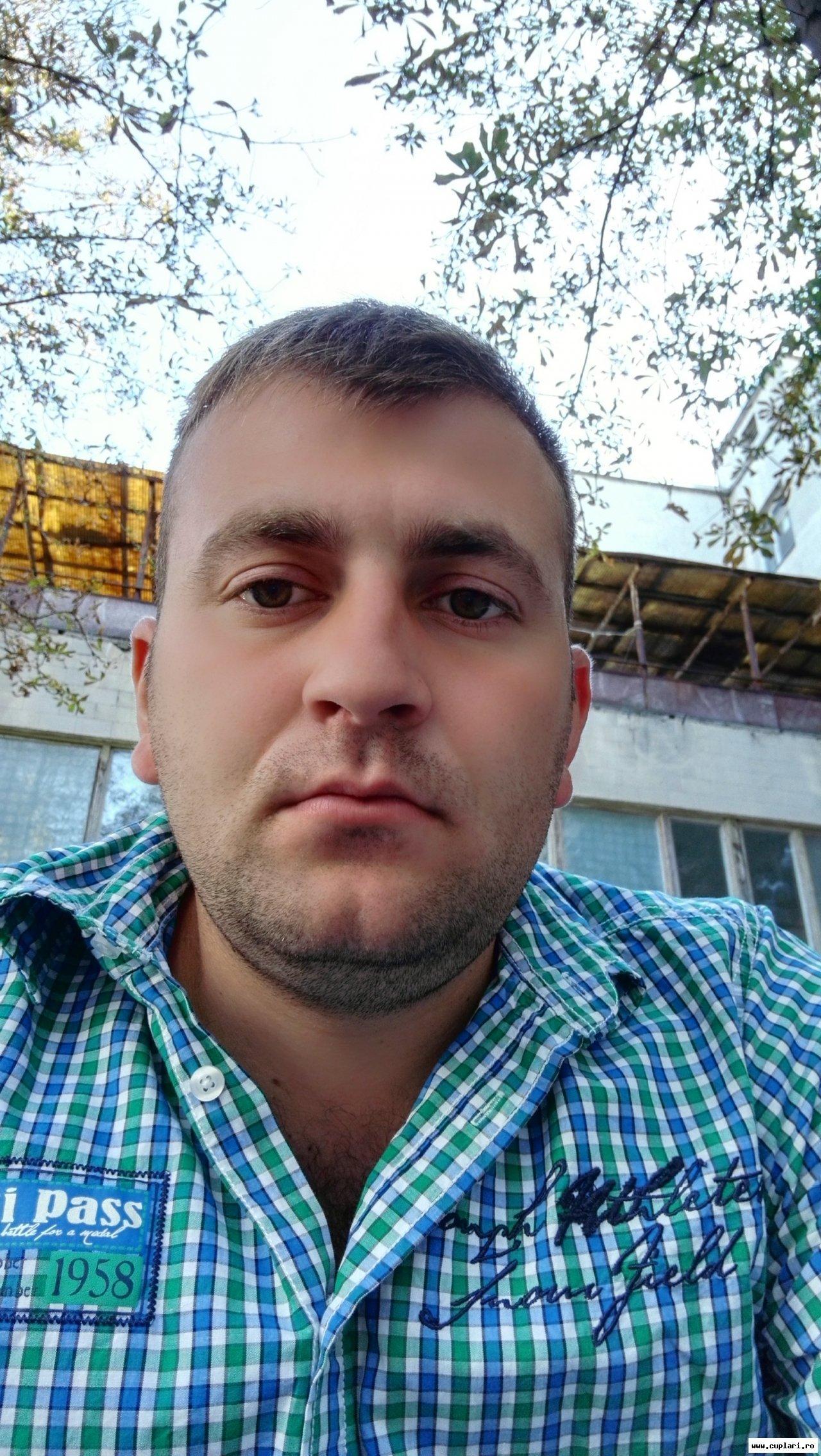 Cu matrimoniale fete poze moldova republica Femei republica