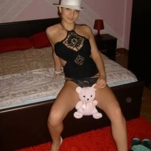 Claudia_75