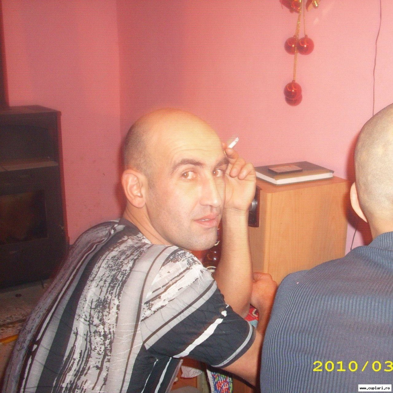 Caut frumoase bărbați din Brașov)