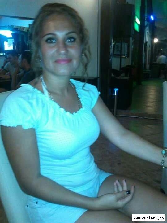 Caut singure fete din Slatina)