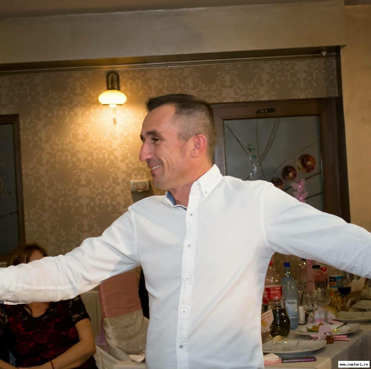 barbati din Drobeta Turnu Severin cauta femei din București