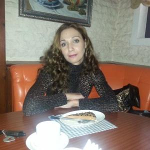 Alinadanucioiu 25 ani Hunedoara - Femei din