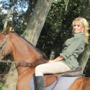 Elenada 32 ani Bucuresti - Matrimoniale Bucuresti - Femei singure
